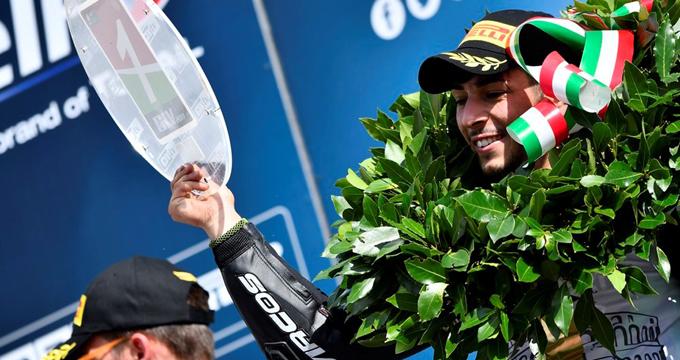 Manuel Bastianelli si laurea campione italiano Supersport 300.